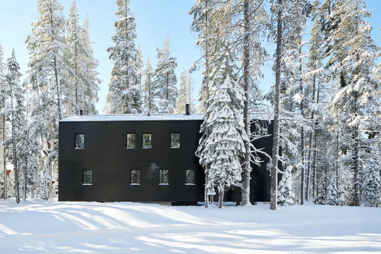 Troll hus fachaca con nieve