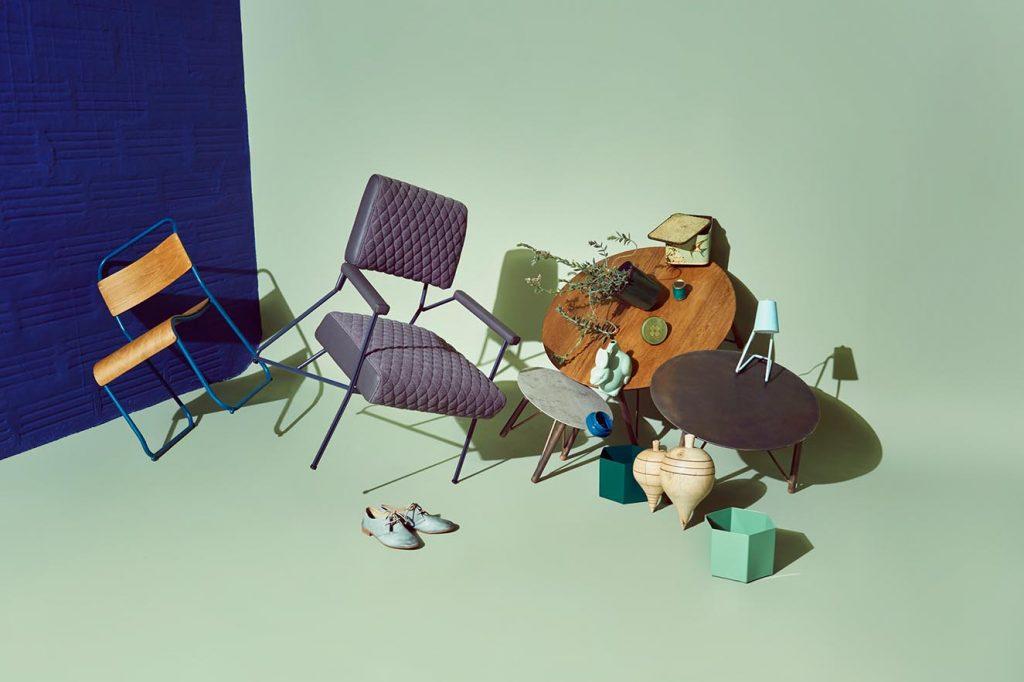 La marca Quinta Edición de los creadores de 902 diseña y fabrica mobiliarios y objetos hechos con materiales naturales, en los que se destaca la madera y el hierro.